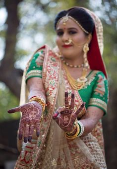 The heritage weaves of a gorgeous #weddinglehenga adorned by our sassy bride Shreya Jani! Thank you for choosing us <3 #HappyAsopalavBride #NewCollection #AttentionToDetail #AsopalavBrides #Ahmedabad #Bridal #HappyBrides #DesignerCollection #Granduer #Royal #elegance #elegantmotifs #ElegantBridalWear #Indianweddings #Indianfashion #BigFatIndianWeddings #Bridalwear #BridalElegance #NewGenerationBrides #IndianEthnicWear #bridalboutique #bridalinspiration #NRIBrides #traditionalwear #Gharchola…