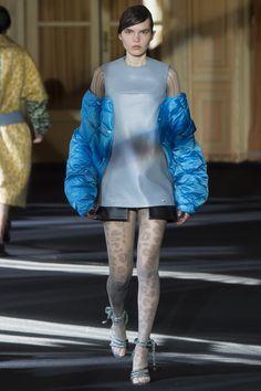 Acne Studios Fall 2016 Ready-to-Wear Fashion Show
