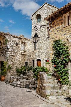 Tourrettes-sur-Loup, Provence-Alpes-Côte d'Azur