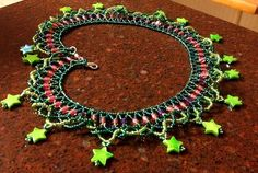 Free pattern for necklace Firework Ruffles