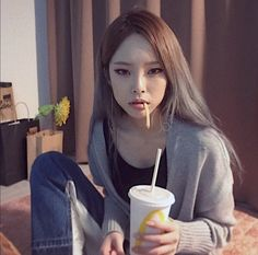 170517 Heize's new instagram profile picture