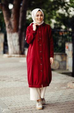 With rubber sleeves. Fabric Stamping, Islamic Fashion, Straight Stitch, Moda Emo, Mode Hijab, Hijab Fashion, Bordeaux, Hoods, Raincoat