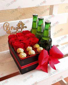 34 Ideas for birthday box sorprise for boyfriend candy Valentines Day Baskets, Birthday Gift Baskets, Birthday Box, Valentines Gifts For Boyfriend, Boyfriend Gifts, Valentine Day Gifts, Birthday Gifts, Flower Box Gift, Flower Boxes