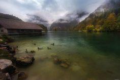 FotoRelax.RU / Озеро Königsee затянутое туманом. Бавария.  Автор фото: Андрей Базанов
