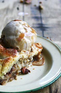 pear, gorgonzola, and walnut pie with toasted oak & caramel ice cream by {local milk}