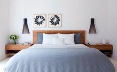 Arredare la camera da letto: idee classiche e moderne. Letto in legno con i comodini integrati, a sbalzo per lasciare libera la zona sottostante. Master bedroom disegnata da Luiza Biagi Simoes con Luciana Fioratti a San Paolo.