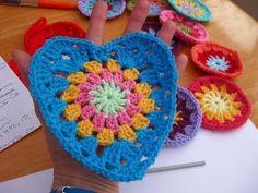 Bunny Mummy: Sunburst Granny Hearts, granny square, free pattern, #haken, gratis patroon (Engels), hart, motief, haakpatroon