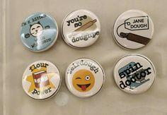 #COOKIE CONNECTION ALERT: Pre-CookieCon classes begin! An update from CookieCon correspondent Kate Sullivan (aka Econlady). Fun buttons by Diane Mayer. #cookiecon2017 #cookieconnection
