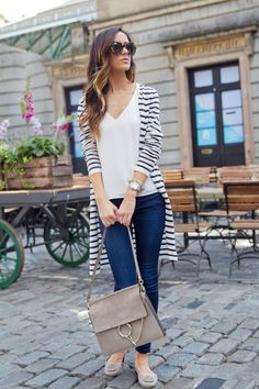 Fall style with striped cardigan striped cardigan, long cardigan, cardigan outfits, jean outfits Womens Fashion Casual Summer, Womens Fashion For Work, Look Fashion, Autumn Fashion, Fashion Styles, Fashion Ideas, Club Fashion, Fashion Blogs, Women's Casual Fashion