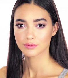 6 Super-Flattering Makeup Tutorials for Brown Eyes via @byrdiebeauty