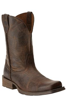 Enjoy a classic, rugged, look with these Ariat Rambler boots! Slight distressed style gives the boots a pre-worn look and features a square toe. Western Wear, Western Boots, Cowboy Boots Square Toe, Over Boots, Cowboy Outfits, Adidas Outfit, Cool Boots, Swagg, Leather Boots