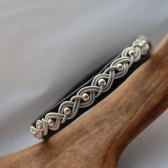 Items similar to Swedish Sami Bracelet of pewter thread with 4 % silver, and reindeer leather on Etsy - Top-Trends Metal Bracelets, Jewelry Bracelets, Bangles, Bijoux Fil Aluminium, Wire Jewelry Making, Diy Crafts Jewelry, Choker, Beads And Wire, Pewter