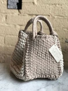 Totally handmade crochet tote bag with short or long knitte Crochet Shell Stitch, Crochet Tote, Crochet Handbags, Crochet Purses, Tunisian Crochet, Diy Sac, Purse Patterns, Knitting Accessories, Knitted Bags