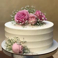52 Small Wedding Cakes with a Big Presence Small Wedding Cakes, Wedding Cakes With Cupcakes, Wedding Cake Designs, Cupcake Cakes, Cupcake Wedding, Pretty Cakes, Beautiful Cakes, Birthday Cake For Women Simple, Happy Birthday Cakes For Women