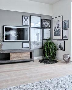 Find the television television Samsung the frame - TV Living Room Tv, Home And Living, Living Room Inspiration, Interior Inspiration, Tv Wall Design, House Design, Framed Tv, Piece A Vivre, Living Room Designs