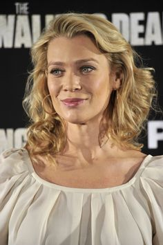 Cast of The Walking Dead in Madrid to promote the show Judith Grimes, Carl Grimes, Rick And Carl, Medium Length Wavy Hair, Laurie Holden, Lauren Cohan, Female Actresses, Great Women, Most Beautiful Women