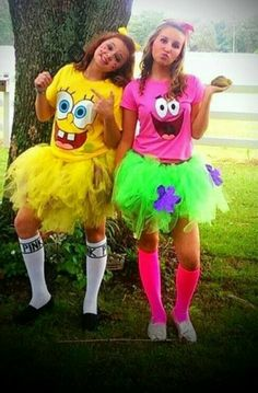 29 Last-Minute Halloween Costumes for Teen Girls - Hallowen Ideas - Two People Halloween Costumes, 2 Person Halloween Costumes, Halloween Costume Teenage Girl, Costumes For Teenage Girl, Twin Halloween, Cute Costumes, Costume Ideas, 2 Person Costumes, Creative Costumes