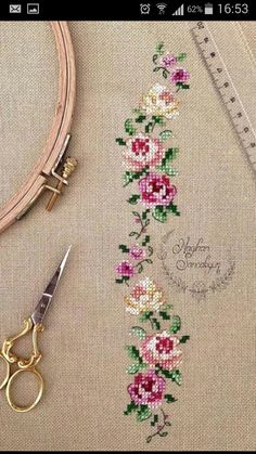 Cross Stitch Rose, Cross Stitch Borders, Cross Stitch Embroidery, Hand Embroidery, Cross Stitch Patterns, Bari, Crossstitch, Flowers, Crafts