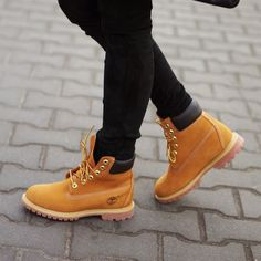 Timberland Boots are Still Going Strong: 15 Outfits That Prove It - Chanel Boots - Trending Chanel Boots for sales. - This is essentially my personality expressed in style perfectly. Black and white. How To Wear Timberlands, Timberland Boots Outfit, Boyfriend Jeans, Timberland Waterproof Boots, Chanel Boots, Yellow Boots, Shoe Company, Bags Online Shopping, Casual Boots
