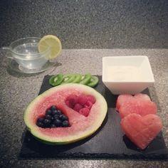 Slimming World Fruit Platter follow my journey on instagram charlottesprojectme Slimming World Desserts, Slimming World Breakfast, My Slimming World, Posh Nosh, Healthy Eating, Healthy Life, Healthy Food, Vegan Foods, Creative Food