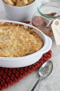 Spicy and flavorful Cajun Chicken dip with lots of cheese and homemade Cajun seasoning mix.