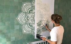 Mandala wall stencils DIY for home of work place decor. Mandala Ibiza wall stencils to pimp your home, garden, office, shop, restaurant or club! We have 8 different mandalas in different sizes from which you can choose! Stencils Mandala, Mandala Mural, Mandala On Wall, Diy Wand, Mur Diy, Wall Drawing, Mandala Design, Paint Designs, Wall Design
