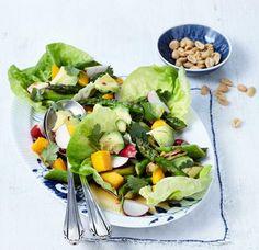 Grüner Spargelsalat mit Avocado und Mango Rezept - [ESSEN UND TRINKEN]