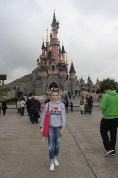 Hello Disney! #ShopStyle #ootd #MyShopStyle #fallfashion #mylook #getthelook #disney #paris #walenti #fashion #basic #fashionlook #outfit