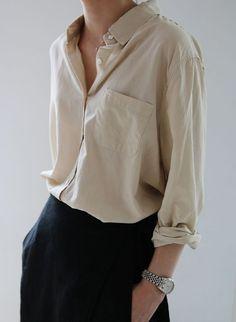 Minimal fashion style, minimal classic style, minimal chic, simple style, w Minimal Fashion, Work Fashion, Fashion Beauty, Minimal Chic, Fashion Fashion, Minimal Classic Style, Fashion Black, Fashion Spring, Street Fashion
