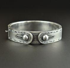 Silver Victorian Button Cuff Bracelet  #Bracelet #Cuff #Sterling #Victorian #Silver #Walter #Cocktail #Amber #Flower #Ruby