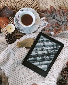Kindle, Reading Motivation, Autumn Cozy, Coffee And Books, Book Folding, Book Aesthetic, Book Photography, Bookstagram, Book Worms