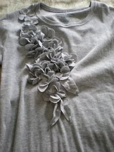 Blue Cricket Design flower embellishment tutorial