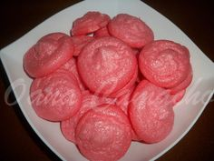 Cooking with love  !: BEZELE CU ZMEURA ( RASPBERRY MERINGUE COOKIES )