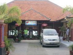 Transportation (Car Hire) Eddy Mulyadi T. +62 22 7795365 F. +62 22 7795365 M. + 62 81321808392 gosbandung@hotmail.com
