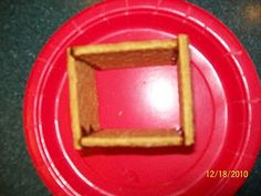 Fun easy graham cracker gingerbread houses. Better than frosting them together