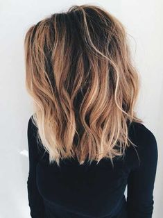 Highlight ABC: What do the hair color trends Balayage, Sombré & Co mean? - Marleen - - Strähnchen-ABC: Das bedeuten die Haarfärbe-Trends Balayage, Sombré & Co! brunette brown and blonde - Lob Hairstyle, Cool Hairstyles, Hairstyle Ideas, Trending Hairstyles, Lob Haircut Thick Hair, Hairstyles Haircuts, Haircut Short, Messy Haircut, Long Bob Haircut With Layers