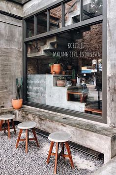 Maybe a coffee? Here you'll find the most spectacular places! See more ideas about Restaurant, Coffee images and Places. Cozy Coffee Shop, Small Coffee Shop, Coffee Store, Cafe Shop Design, Coffee Shop Interior Design, Restaurant Interior Design, Industrial Coffee Shop, Coffee Shop Aesthetic, Coffee Restaurants