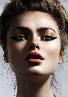 cat eye. #makeup