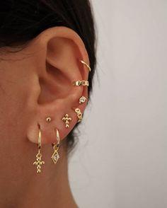Pearl Cube Gold Ear Jackets – ear jackets / gold ear jacket / ear jacket earrings / modern earrings / statement earrings / gifts for her – Fine Jewelry Ideas – Best Accessories Ear Jewelry, Cute Jewelry, Jewelery, Jewelry Accessories, Jewelry Ideas, Gold Jewelry, Gold Bracelets, Dainty Jewelry, Jewellery Earrings