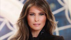 El retrato oficial de Melania Trump que lanzó la Casa Blanca en donde se...