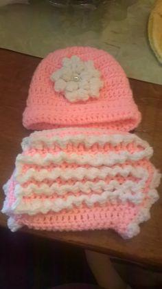 Girl hat & diaper cover set