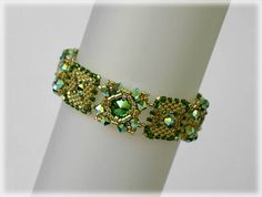 Greeny bracelet beading TUTORIAL by AsszaBeadingArts on Etsy. This listing is for the Pdf tutorial only. The finished product is not included, there are no supplies included.