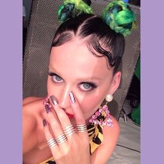 Bleached Eyebrows ,Katy Perry Wears the Look