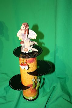 Portapendientes realizado con cd Room Decor, Princess Zelda, Crafts, Fictional Characters, Cds, Rolls, Paper, Craft, Ideas