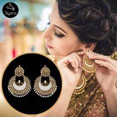 When style twines with elegance. Watsapp- +91-9769714221. #siyora #siyorajewellery #earrings #royal #elegant #styleblogger  #fashionista #fashionable #traditional #mumbai #delhiblogger #foryou