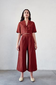 Crop Blouse Source by jmijucic clothes for women Look Fashion, Fashion Outfits, Womens Fashion, Fashion Tips, Fashion Trends, Fashion Ideas, 20s Fashion, Fashion Styles, Runway Fashion