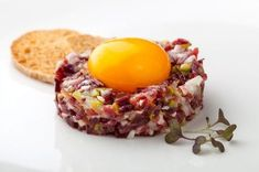 Recipe: iberian Ham Tartare with cured egg yolk scallion 2 gherkins 5 or 6 capers. 1 teaspoon Dijon mustard (old). Tapas Recipes, Gourmet Recipes, Cooking Recipes, Cured Egg Yolk, Egg Yolks, Tartare Recipe, Spanish Dishes, Spanish Tapas, Food Decoration