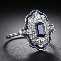 Vintage Jewelry Art Deco Sapphire and Diamond Dinner Ring - - Lang Antiques Art Deco Schmuck, Bijoux Art Deco, Schmuck Design, Art Deco Jewelry, I Love Jewelry, Jewelry Rings, Fine Jewelry, Jewelry Design, Jewlery