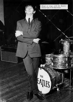 Congratulations to my favourite drummer, Ringo, who will be starting 2018 as Sir Richard Starkey. Much love to you, Ringo! Here he is photographed at the Gaumont Cinema, Wolverhampton on Beatles Books, Beatles One, John Lennon Beatles, Beatles Photos, Richard Starkey, Famous Logos, Best Albums, Wolverhampton, The Fab Four