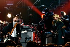 cool Chris Stapleton, Justin Timberlake steal the show at CMA U . S . A . Music Awards